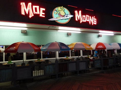 Welcome to Moe Moons Bar and Grill
