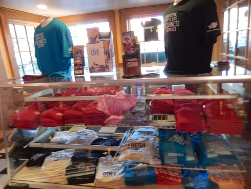 Remember your visit to Fuddruckers in Myrtle Beach Fuddruckers merchandise for a beach visit.