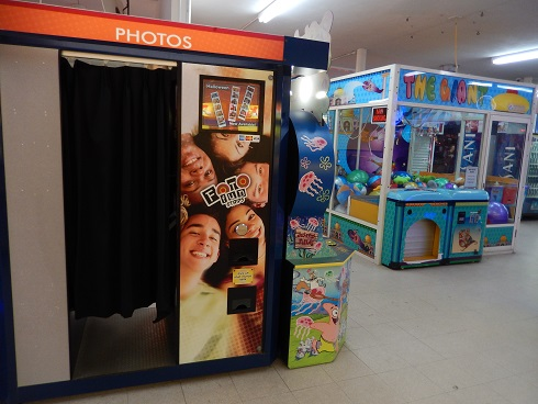 Plaza Photo Booth Strip Photograph Booth for friends, family and lovers